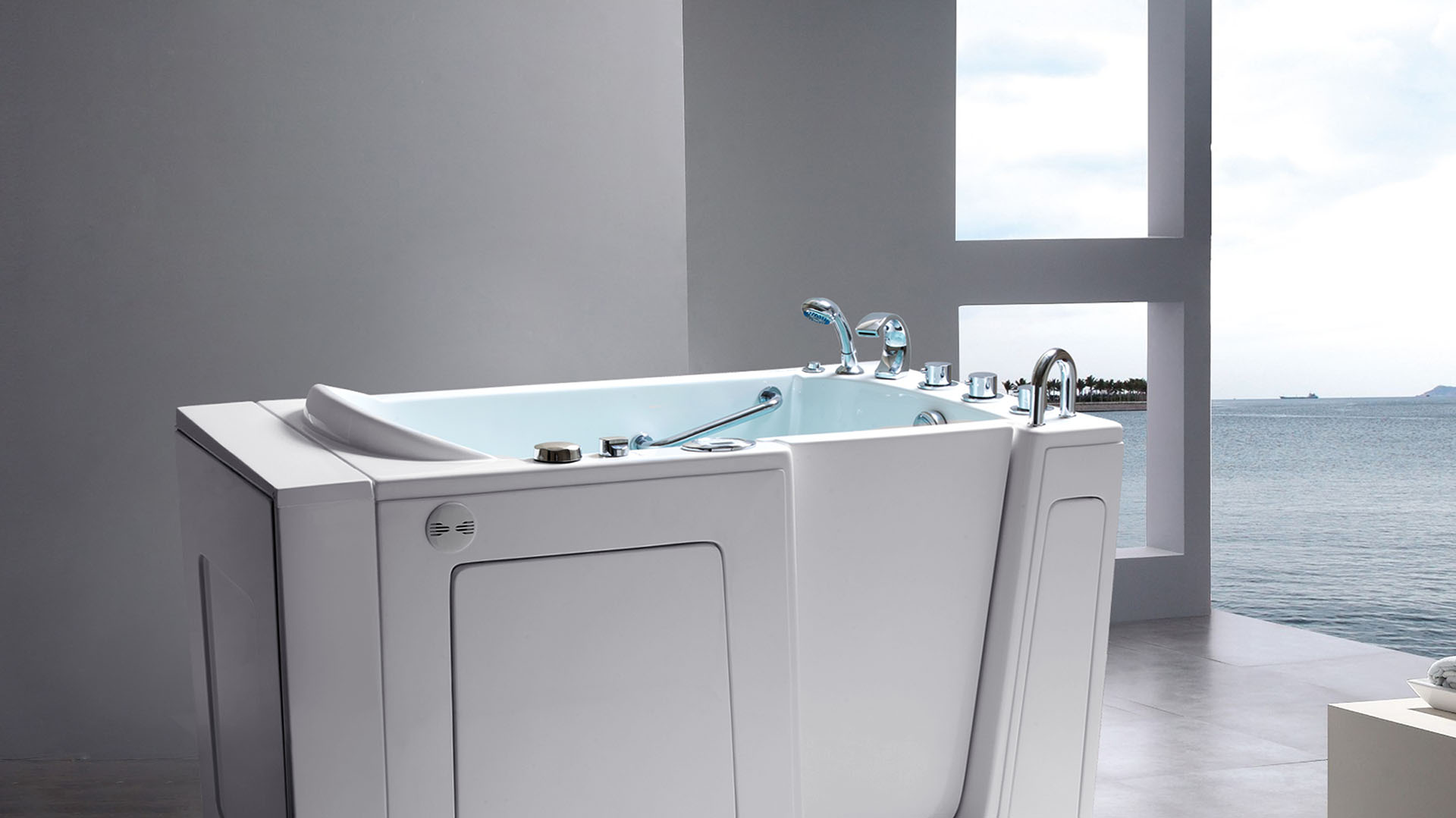 American Tubs walk-in bathtub